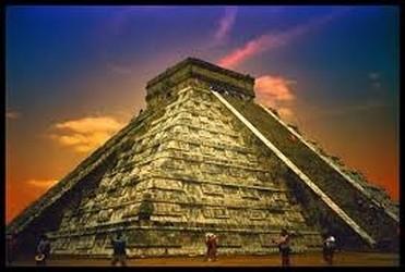Tramonto a Chichén Itzá