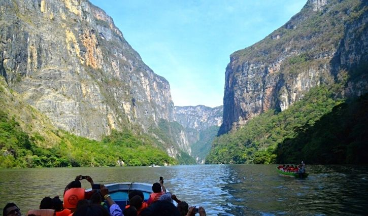 vista durante el recorrido por el Cañon del Sumidero