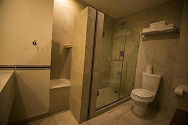 Vista interior del baño