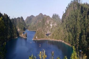 Recorrido por las diferentes lagunas de Montebello