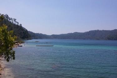 Uno de los lagos principales en el Parque Nacional Lagunas de Montebello