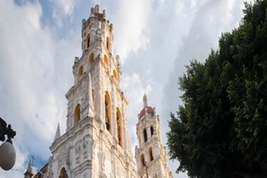 Vista de las Torres de la Iglesia de Ocotlan en Puebla