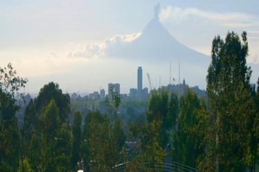 Vista del volcan popocatepetl desde Los Fuertes de Loreto