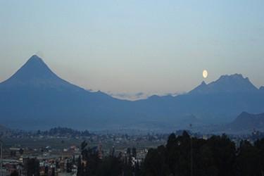 Vista panoramica del Volcan popocatepetl desde Cholula
