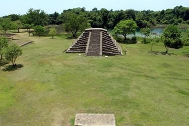 Vista de las piramides de El lagartero