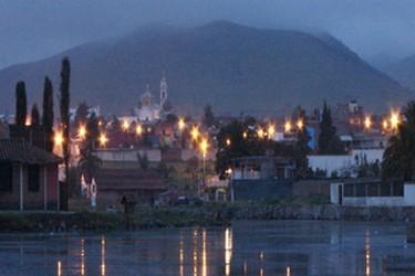 Vista noctura del pueblo magico de Chignahuapan