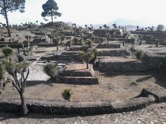Localizada entre Tepeyahualco y Cuyuaco Puebla.