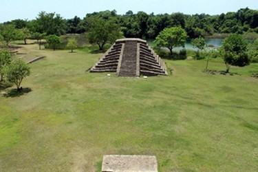 Zona Arqueólogica Maya