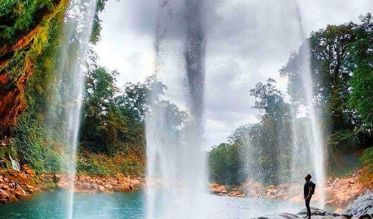 Vista detrás de la cascada de Misol Ha