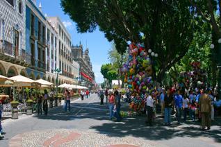 Vista de la plaza central de Puebla