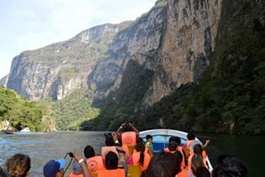 Paseo en lancha por el Cañon del Sumidero