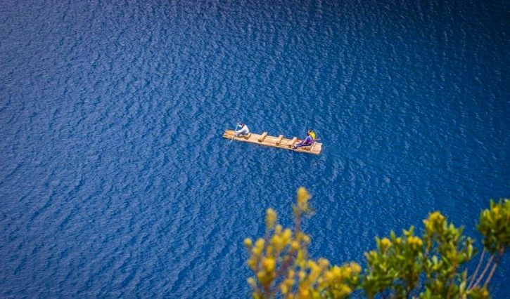 En esta foto ocn vista aerea podemos apreciar la tranquilidad del agua y la paz que transmite
