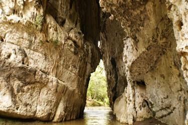 Vista del rio que atraviesa el Arcotete