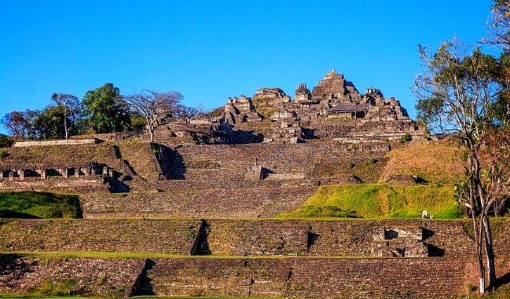 Zona arqueologica de Tonina