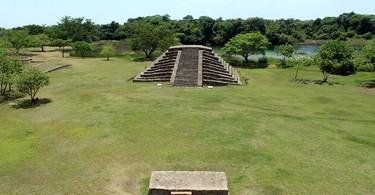 Vista de las Piramides El Lagartero