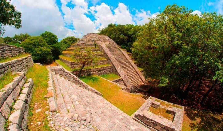 Piramide principal de Tenam Puente