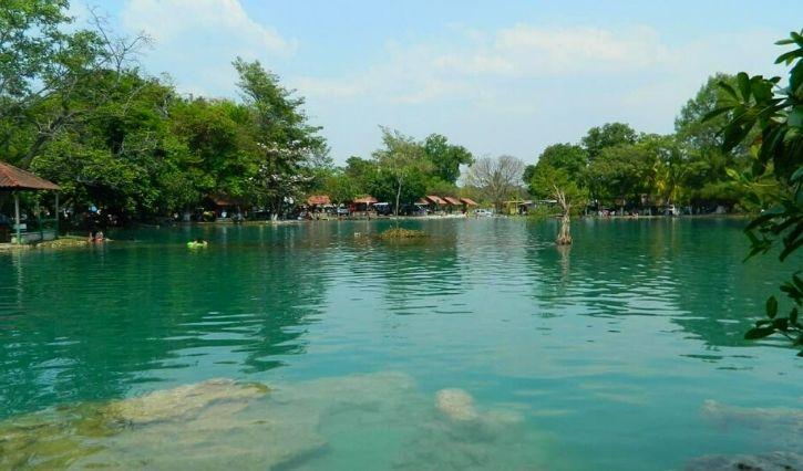 Se puede apreciar la preza del agua y la tranquilidad del lugar