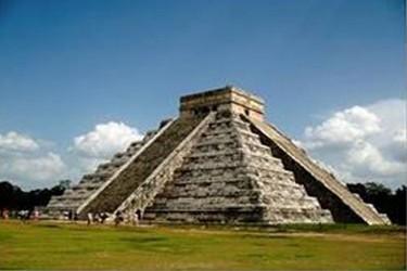 Templo de kukulcán en la zona arqueológica de Chichén Itzá