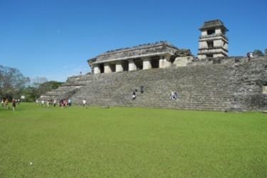 Palacio Maya en la zona arqueológica de Palenque