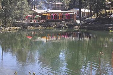 Al pie del volcan Popocatepetl existen lagos de deshielo