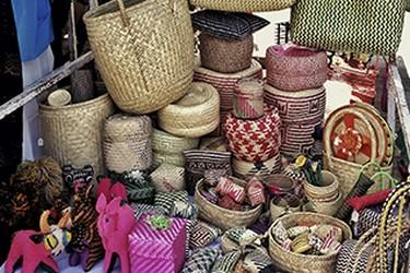 Arte popular de peças práticas e decorativas