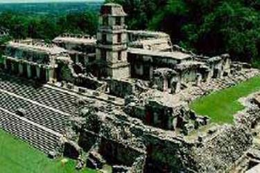 Uno de los edificios más grandes de la ciudad maya de Palenque.