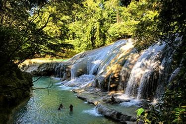 Albercas naturales en cascadas de Robertos Barrios.