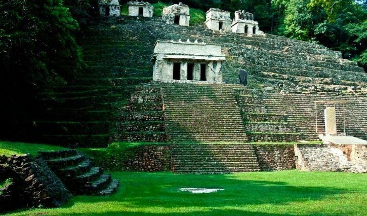 Ciudad maya ubicada en la selva lacandona de Chiapas