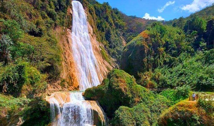 Cascada principal en el Centro Ecoturístico Cascadas el Chiflón