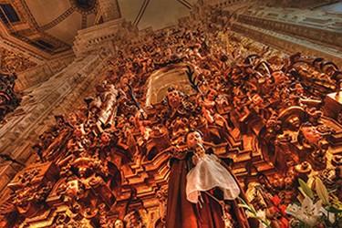 Vista interna de la iglesia