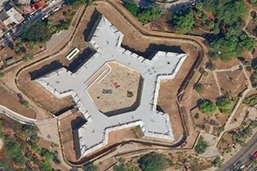 Museo forma de pentagano desde el cielo