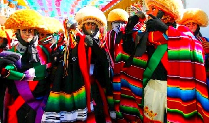 Traje tipico de parachicos de Chiapa de Corzo