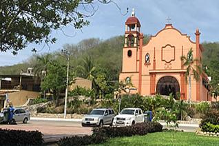 Iglesia La Crucecita en Huatulco, Oaxaca