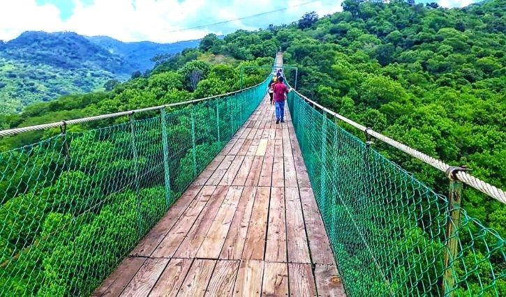 Puente colgante en Mundo Aventura, Mazamitla