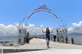 Tourist at the Arch of Lake Chapala