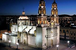 Catedral de Chihuahua vista de noche