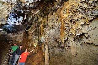 Formaciones geológicas bajo tierra