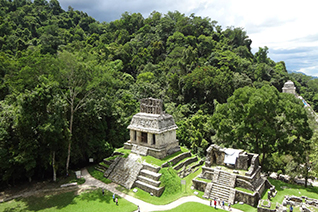 Templo del sol en la zona arqueológica de Palenque