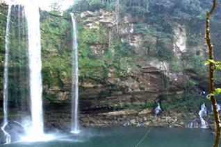 Vista panorámica de Cascada Misol Ha