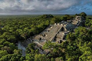 Vista panorámica de Calakmul en Campeche