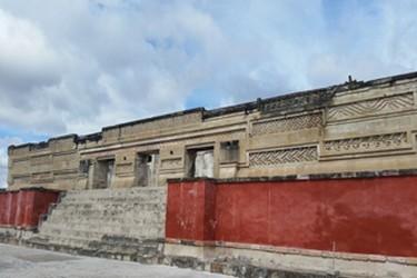 Vista del palacio principal de Mitla