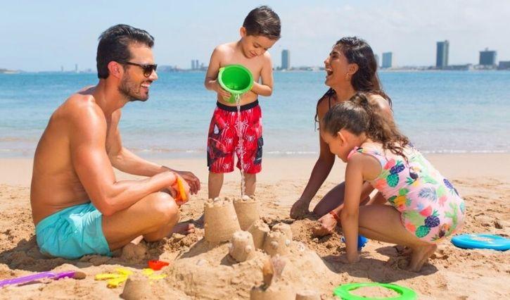 Diversión en familia en playa isla de Venados