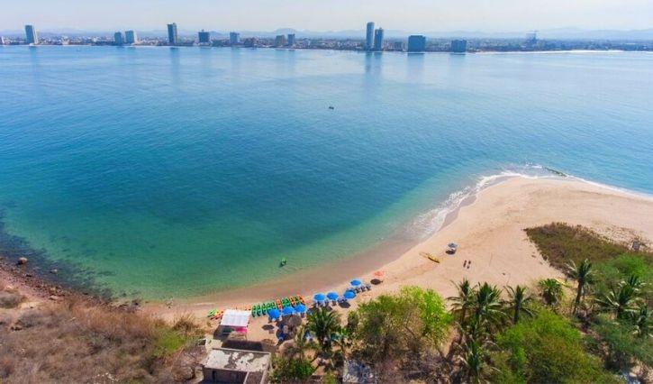 Vista panorámica de Mazatlán desde la isla de Venados