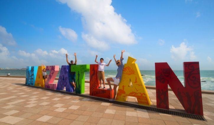 Recorrido por el malecón de Mazatlán