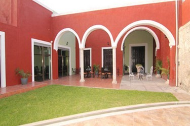 Vista externa del Hotel del Hotel Embajadores
